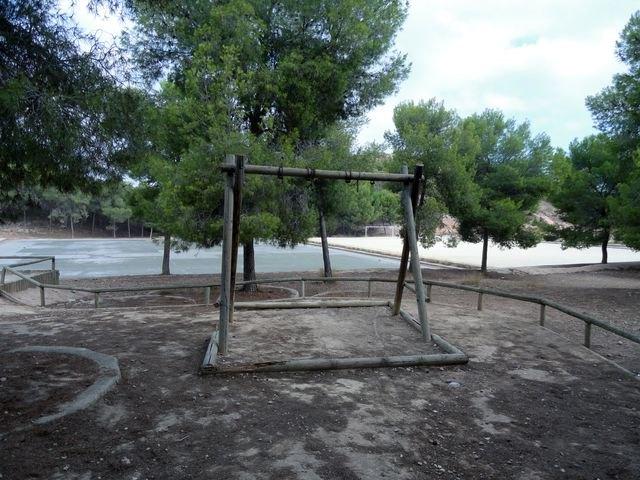 El Grupo Socialista lamenta el estado de abandono de la zona de El Valle Perdido y de las instalaciones deportivas anexas - 5, Foto 5