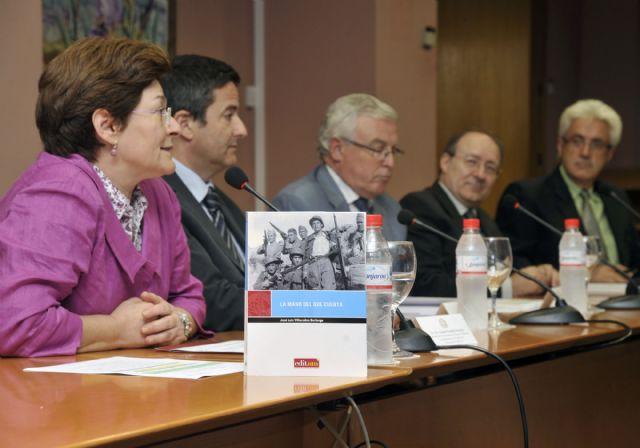 La Universidad de Murcia presenta el libro del profesor José Luis Villacañas - 1, Foto 1