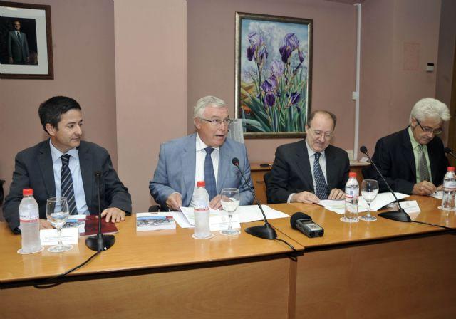 La Universidad de Murcia presenta el libro del profesor José Luis Villacañas - 2, Foto 2