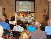 Ingleses y pinatarenses intercambian su visión del municipio en una actividad bilingüe