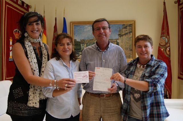 La Asociación de Vecinos de Campo López dona 1.000 euros a la Mesa Solidaria de ayuda a Lorca tras los seísmos - 1, Foto 1