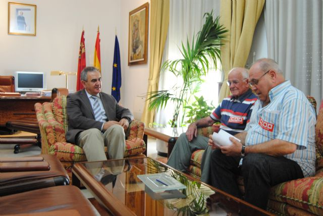 González Tovar recibe a los pensionistas de CC.OO - 1, Foto 1