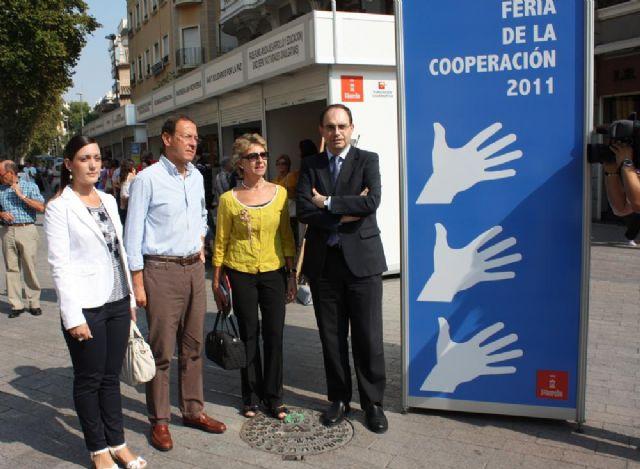 El Alcalde inaugura la feria de la solidaridad de Murcia - 1, Foto 1