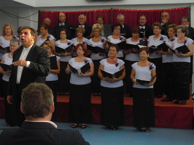 El ayuntamiento homenajea a Rafael Garcia Castillo como Mayor del año 2011 - 2, Foto 2