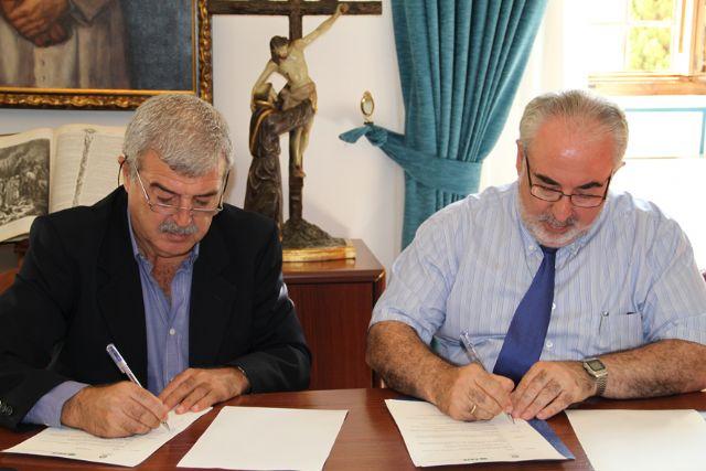 La UCAM firma un convenio de colaboración con la Federación de Sindicatos Independientes de Enseñanza (FSIE) - 1, Foto 1