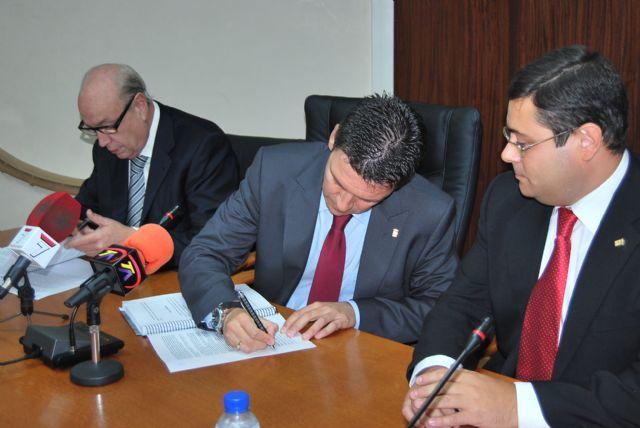 El alcalde de Alhama firma el convenio con Samper para la construcción del Parque Temático Paramount - 3, Foto 3