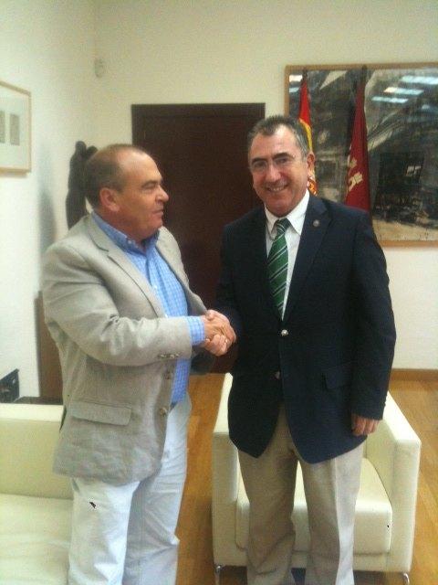 Reunión en la Consejería de Pesidencia. 5/10/2011 - 2, Foto 2