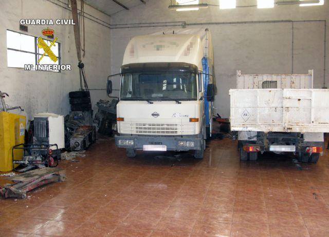 La Guardia Civil recupera gran cantidad de efectos sustraídos y varios vehículos en Alhama de Murcia, Foto 1
