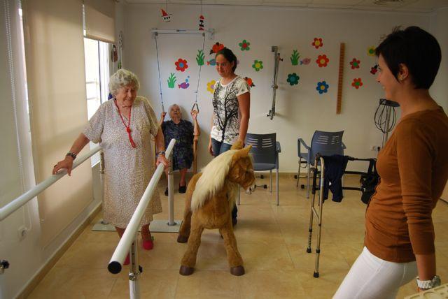 Esta semana se celebra el IV aniversario del Centro de D�a para Personas Dependientes con Alzheimer de Totana, Foto 2