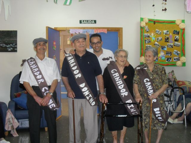 Los usuarios del Centro de Estancias Diurnas también celebran la Feria, Foto 1