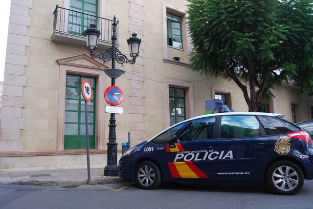 The mobile team of the National Police Station handles about 600 Lorca year in Totana DNI
