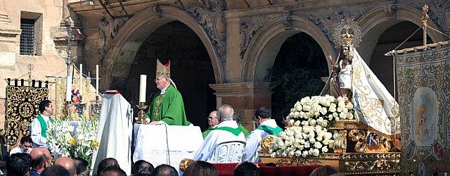 El obispo preside en Lorca la eucaristía que he tenido lugar con motivo del Encuentro de Cofradías de la Región de Murcia, Foto 2