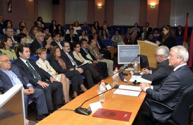 El presidente regional inaugura los actos del XX aniversario de la Facultad de Enfermería - 5, Foto 5