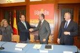 Murcia y Gas Natural sellan su alianza para implantar una movilidad sostenible y menos contaminante