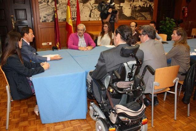 Las nuevas obras en la ciudad recibirán el visto bueno de las asociaciones de discapacidad para garantizar su accesibilidad - 2, Foto 2