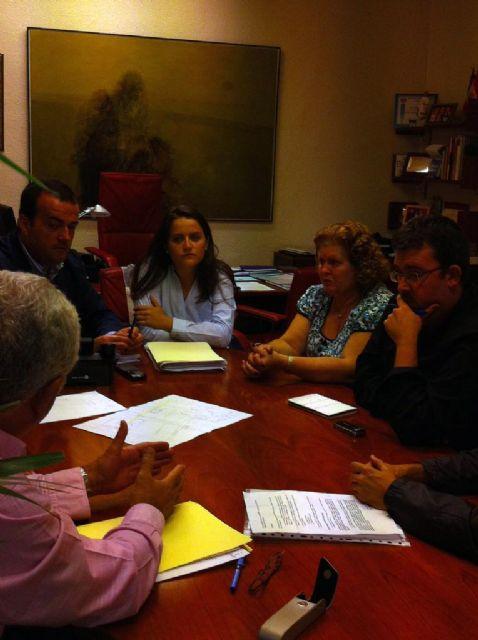 El Ayuntamiento convierte  en sentido único para facilitar el acceso de los escolares al CEIP Reino de Murcia - 1, Foto 1