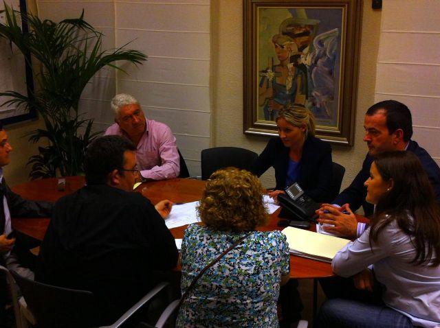 El Ayuntamiento convierte  en sentido único para facilitar el acceso de los escolares al CEIP Reino de Murcia - 2, Foto 2