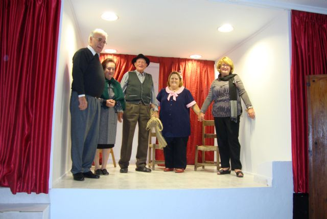Exitoso regreso del teatro y la cultura al salón social de Leiva, Foto 1
