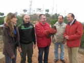 La Comunidad libera tres ejemplares de aves rapaces en el Parque Regional de El Valle y Carrascoy