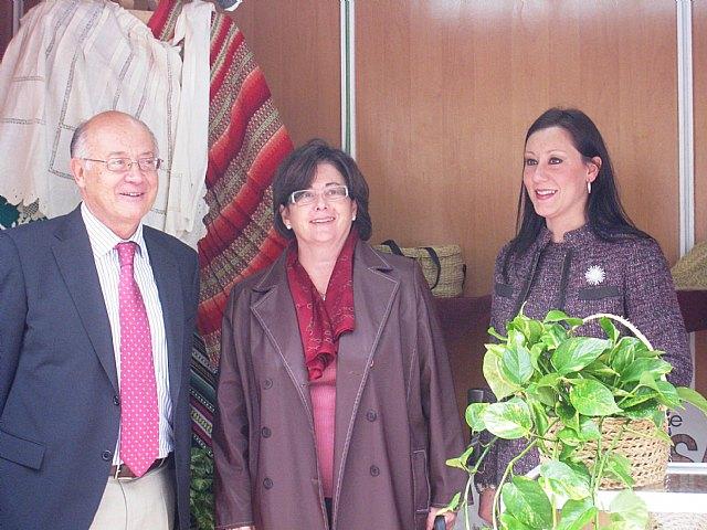 María Dolores Alarcón inaugura una muestra de Artesanía en Cieza - 1, Foto 1