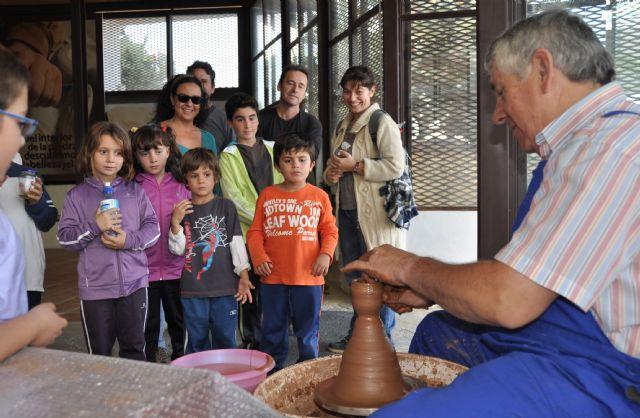 Las visitas Guiadas a ´Medina Nogalte´ ofrecieron nuevos talleres sobre artesanía local en las casas cueva tematizadas - 1, Foto 1