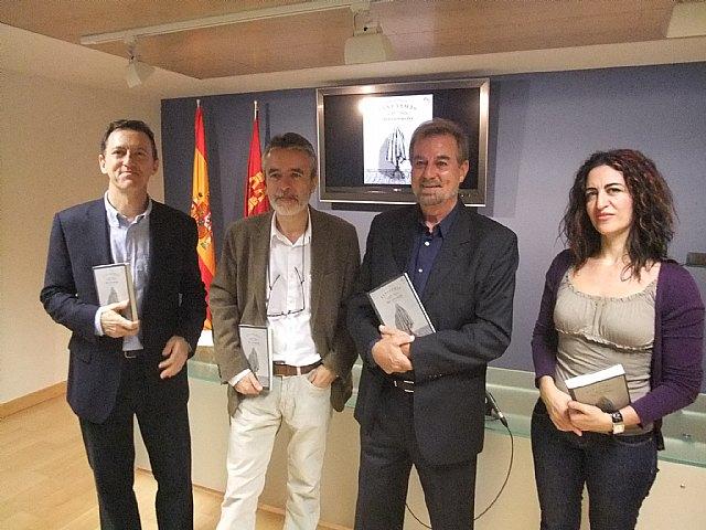 Cultura edita ´Cuentos de fantasmas de la era victoriana´, obra traducida por alumnos de la Universidad de Murcia - 1, Foto 1