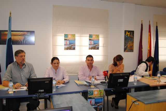 El Plan de competitividad de La Manga se propone formar al sector  empresarial y de servicios para vender mejor la zona - 1, Foto 1