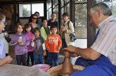 Las visitas Guiadas a ´Medina Nogalte´ ofrecieron nuevos talleres sobre artesanía local en las casas cueva tematizadas