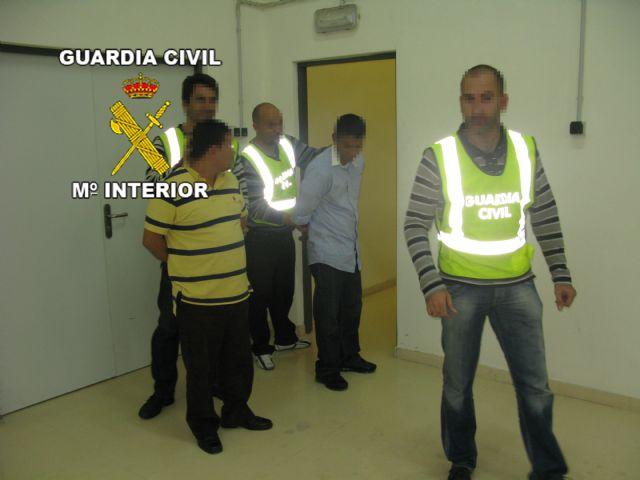 La Guardia Civil detiene a un grupo de cogoteros antes de que atracasen una sucursal bancaria de Cieza - 1, Foto 1
