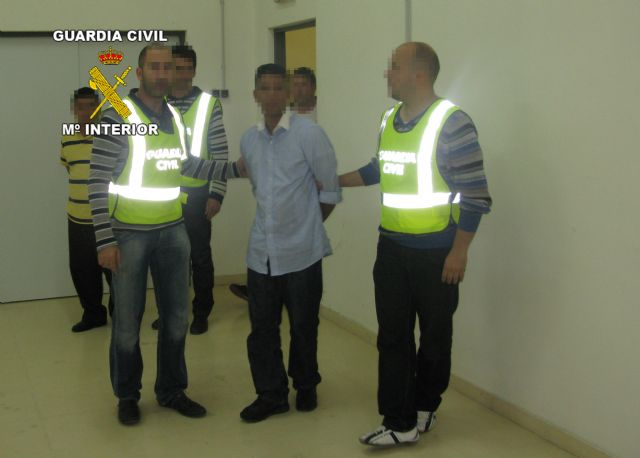 La Guardia Civil detiene a un grupo de cogoteros antes de que atracasen una sucursal bancaria de Cieza - 2, Foto 2