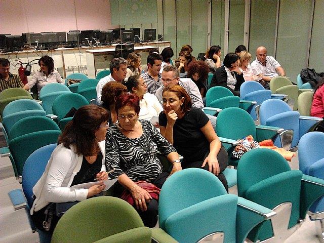 El Ayuntamiento pone en marcha un programa que ayuda a mejorar las relaciones en el núcleo familiar - 2, Foto 2