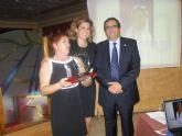Rufina Atenza recibe el premio ´Almohade del Año´ en la gala anual de este grupo de las Fiestas de Moros y Cristianos del Corpus de Archena