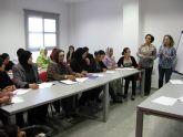 Servicios Sociales ofrece formación en español, salud mental y orientación laboral a inmigrantes
