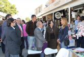 Inaugurada la III Feria de Comercio Outlet 'Al coste' en la que participan más de una veintena de comercios lumbrerenses