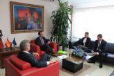 La Alcaldesa se entrevista con el Consejero de Hacienda para conseguir ayudas para saldar deudas con los proveedores