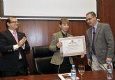 La Universidad de Murcia recibe el premio de la Fundación de Victimología