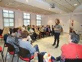 Más de 30 mujeres participan en una actividad dirigida a reforzar la autoestima