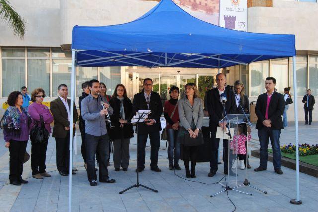 El Alcalde leyó el manifiesto contra la violencia de género en un acto público con motivo del 25-N - 1, Foto 1
