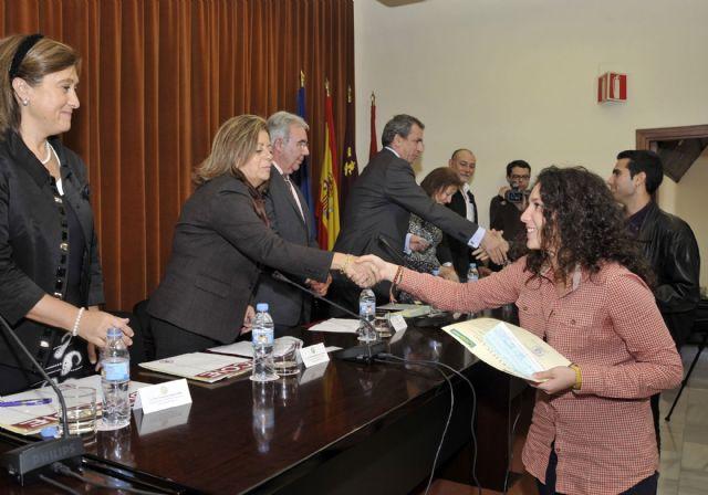 La Universidad de Murcia entrega los diplomas a los 162 alumnos becados con prácticas rurales - 1, Foto 1
