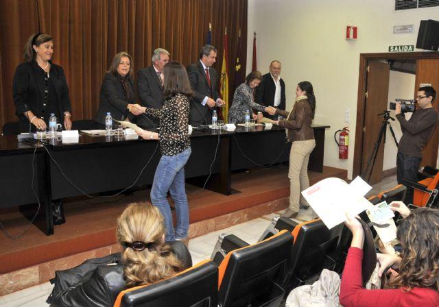 La Universidad de Murcia entrega los diplomas a los 162 alumnos becados con prácticas rurales - 2, Foto 2
