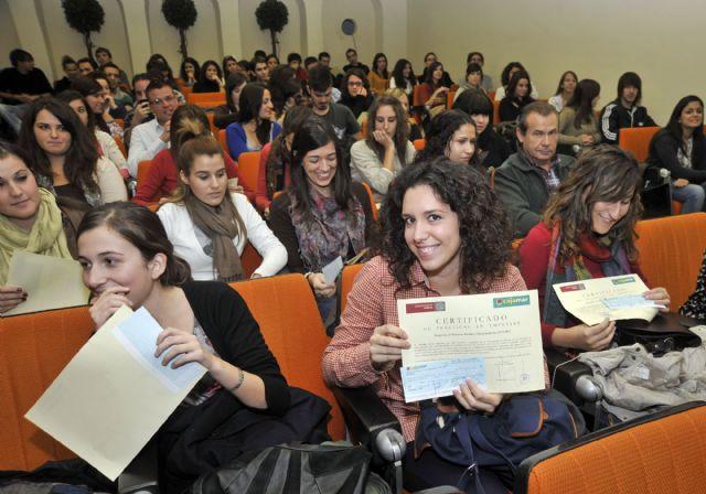 La Universidad de Murcia entrega los diplomas a los 162 alumnos becados con prácticas rurales - 3, Foto 3