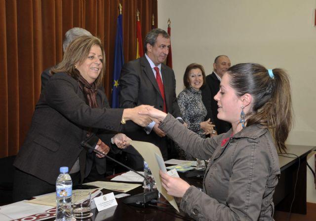 La Universidad de Murcia entrega los diplomas a los 162 alumnos becados con prácticas rurales - 4, Foto 4