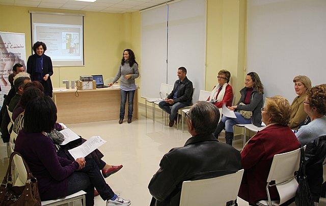El Ayuntamiento pone en marcha un Plan de Formación para cuidadores de personas dependientes - 1, Foto 1