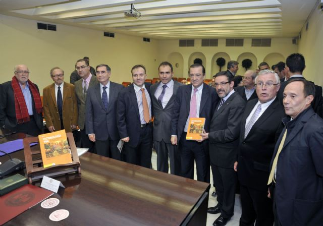 La Universidad de Murcia participa en una obra sobre victimología vial - 2, Foto 2