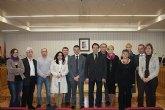 El alcalde de Torre-Pacheco recibe a los miembros del proyecto 50 fit