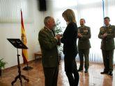 La Alcaldesa le impone el Escudo de Oro de Archena al que fuera hasta hace unos días Coronel Director de la Residencia Militar Mariano Hermosilla