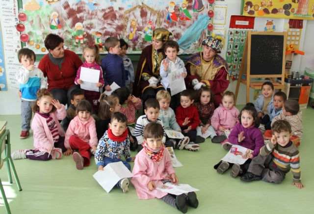El Cartero Real llegó hasta los centros educativos de la localidad - 2, Foto 2