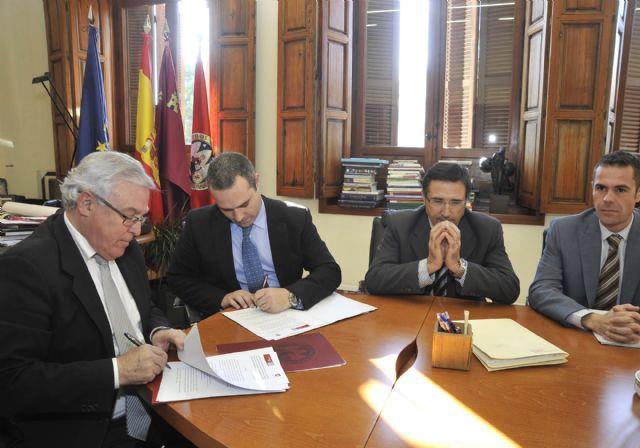 La Universidad de Murcia establece un acuerdo para fomentar el espíritu emprendedor entre los alumnos - 1, Foto 1