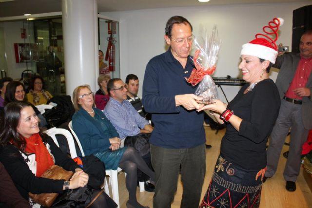 El Alcalde acude a su cita de Navidad con las asociaciones y vecinos del Barrio del Carmen - 3, Foto 3