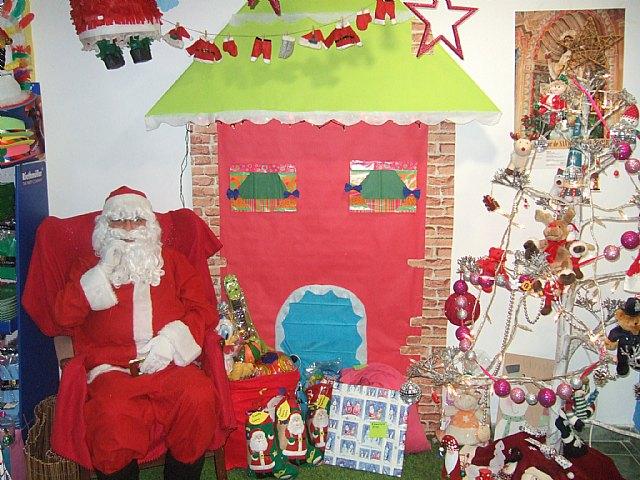 Papá Noel visitará mañana Mundo Piñatas para recoger las cartas de los más peques de la casa, Foto 1